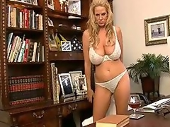 Hot milf has the greatest natural rack