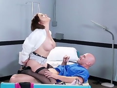 Lewd fellow Johnny Sins oves feeling hottie Krissy Lynn deep down her wet cunt