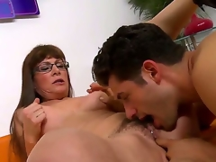 Brunette hair hair milf with lengthy hair and glasses Alexandra Silk gets her hirsute fur pie licked and fingered by a turned on chap Giovanni Francesco on the daybed i the living room and enjoys