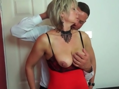 Big mambos older in sexy lingerie sucks dick