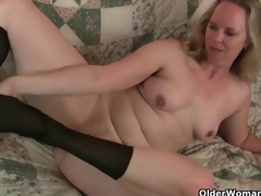 Mom's fresh pantyhose gets her all hawt and horny