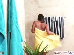 Titillating wife Jada Stevens gets nailed close by bathroom