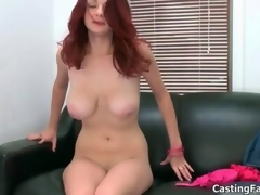 Sexy redhead babe goes meaningless sucking movie