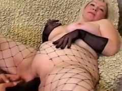 Grown up blonde Cynthia sucks a jock and lets the guy plaything her meaty cookie